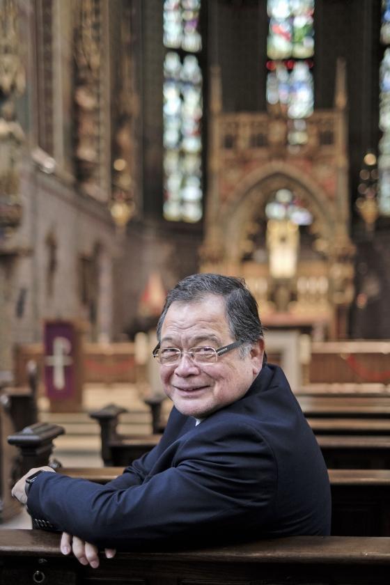 Waarom priester Ton Huitink hechte vrienden nodig heeft   (Dick Vos)