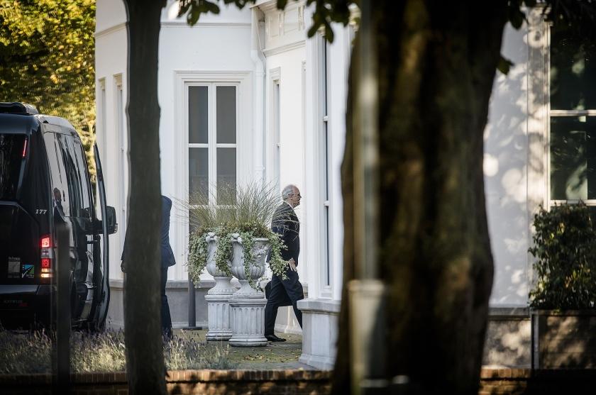 Minister president Mark Rutte ontvangt op het Catshuis zwaargewichten uit het bedrijfsleven.  (anp / Bart Maat)