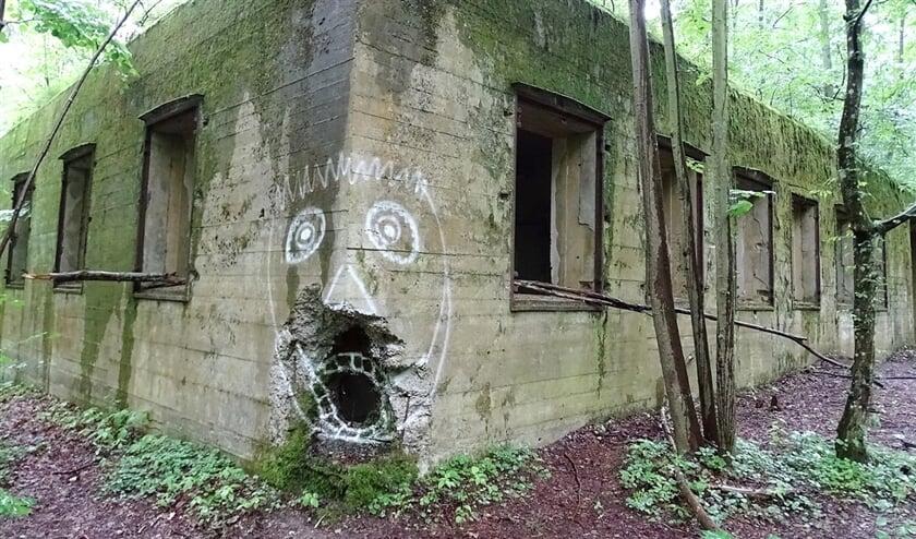 Overblijfsel van de Wolfsschanze, het bunkercomplex van Hitler in Rastenburg.  (creative commons / Adam Jones en wikimedia commons)