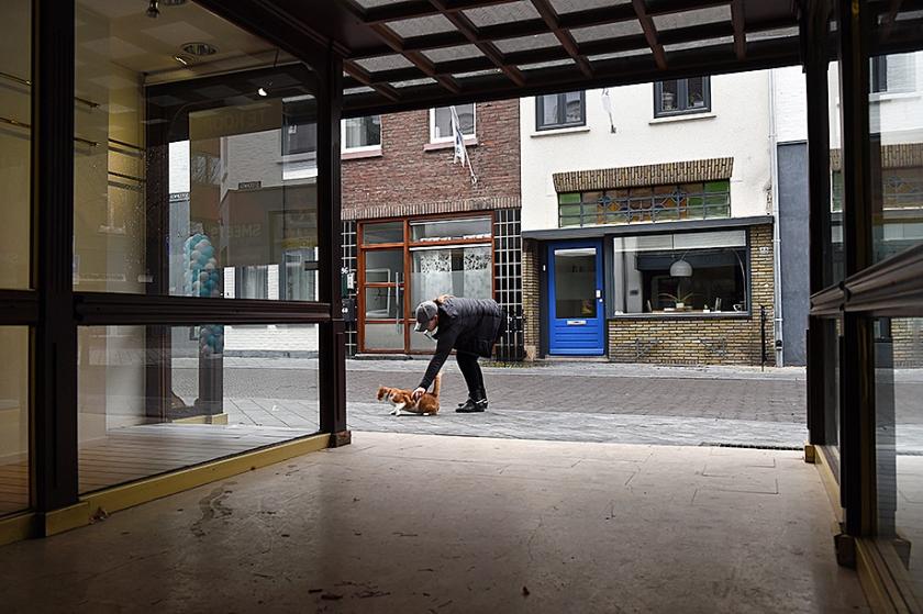 Bewoners in lege winkels wekken ingeslapen stadshart tot leven  (Marcel van den Bergh)