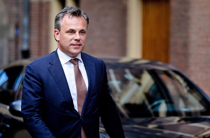 Sinds woensdag beschikt staatssecretaris Mark Harbers (Justitie en Veiligheid) niet langer over een speciale bevoegdheid voor schrijnende situaties.  (anp / Bart Maat)