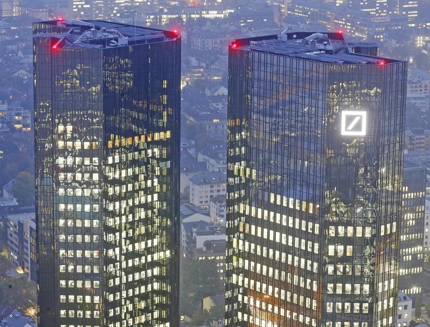 Zelfs Deutsche Bank, door IMF als groot risico voor het financiële systeem aangeduid, doorstaat het testscenario nog.  (ap / Michael Probst)