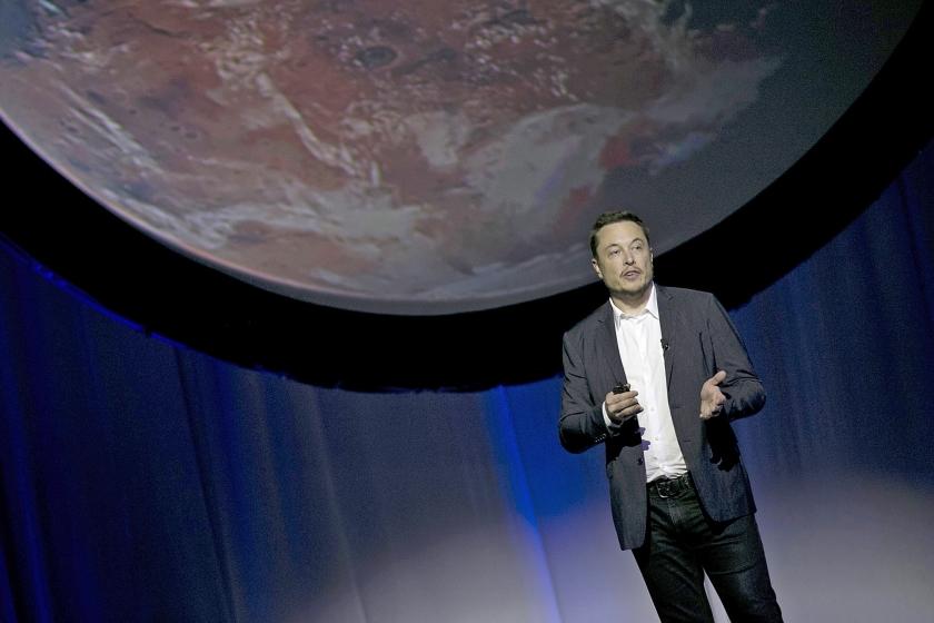 Als de 45-jarige Musk ergens een zaal toespreekt, zorgt hij voor consternatie.  (ap / Refugio Ruiz)