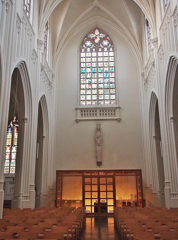 Misschien wordt Het Laatste Avondmaal weer teruggehangen op de plek waar het tot 1966 hing, boven de ingang van de abdijkerk.   (Imco Lanting)