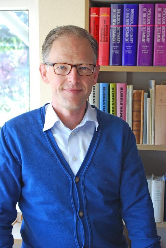Van gemeentepredikant wordt Wim Moehn bijzonder hoogleraar en daarmee een van de gezichten van de Gereformeerde Bond. 'Dat is best spannend. Wat komt er op mij af?'   (nd)