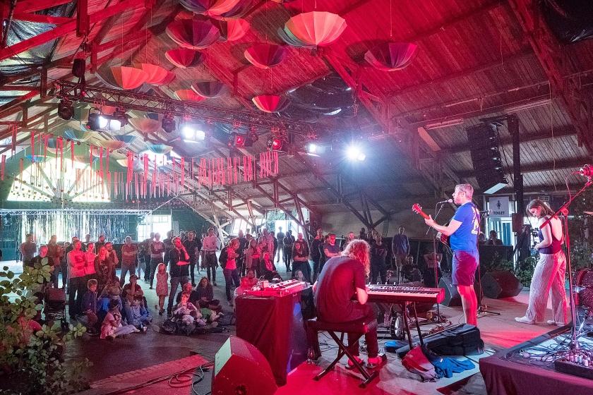 In Vierhouten begon vrijdag het christelijke festival Graceland, dat voor de derde keer wordt gehouden.  Het festival is volgens organisator Richard Ailkema bedoeld om zoekers een thuis te bieden  (Niek Stam)