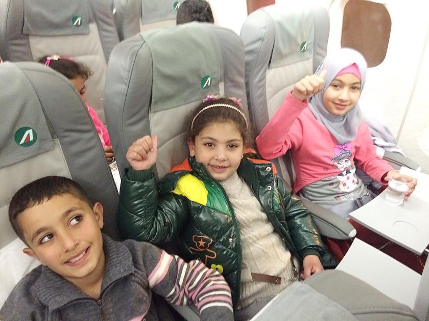 Syrische vluchtelingen vlogen maandag van Libanon naar Rome.  (nd)