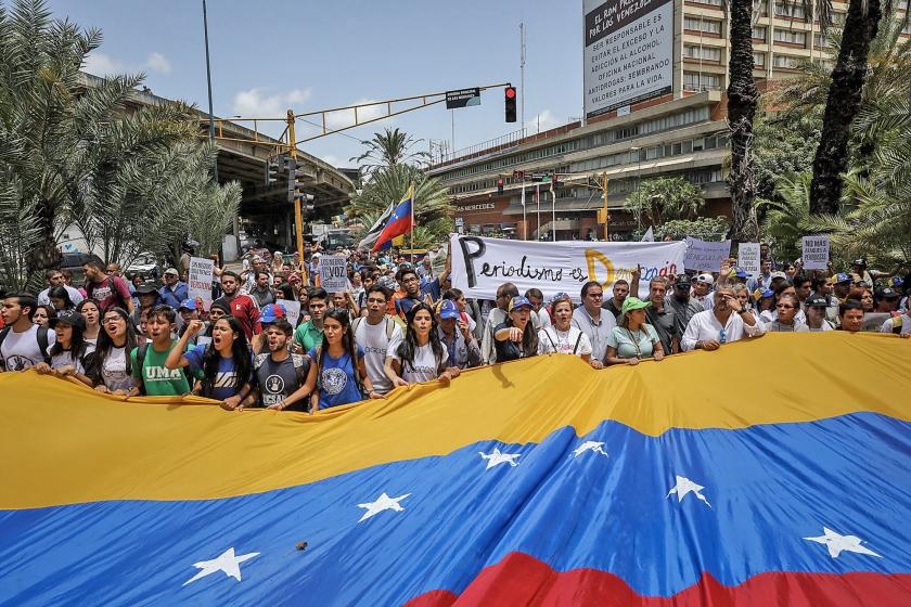 Journalisten en voorvechters van de persvrijheid protesteren in Caracas, tegenhet geweld waarmee de pers in het land onderdrukt wordt.  (epa)