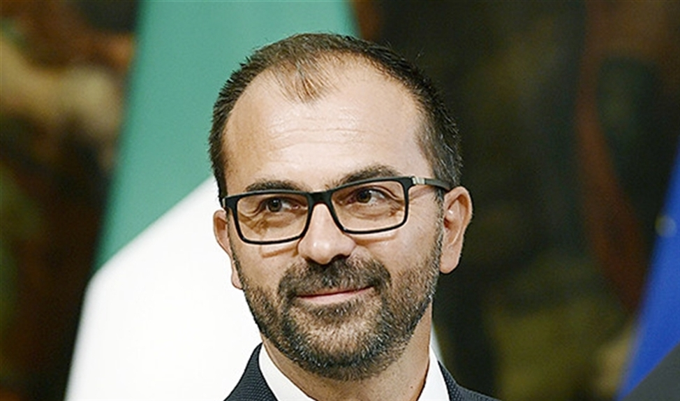 De Italiaanse onderwijsminister Lorenzo Fioramonti   (afp / Filippo Monteforte)