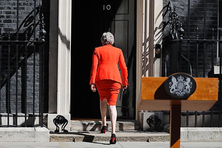 Premier May mag nog wetsvoorstellen indienen.  (afp / Tolga Akmen)