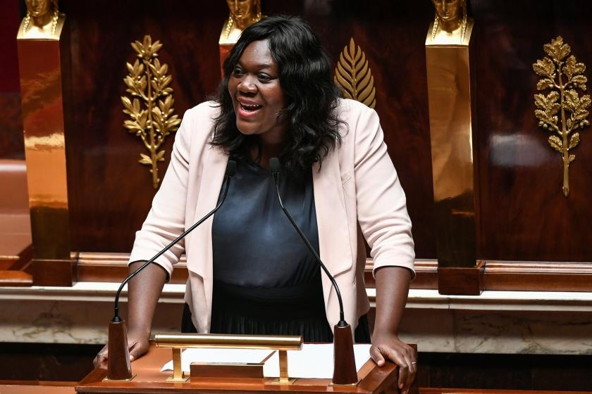 Als parlementariër Laetitia Avia een dag geen racistische beledigingen via Twitter ontvangt, vermoedt zij dat Twitter een technisch probleem heeft.  (afp / Stephane de Sakutin)