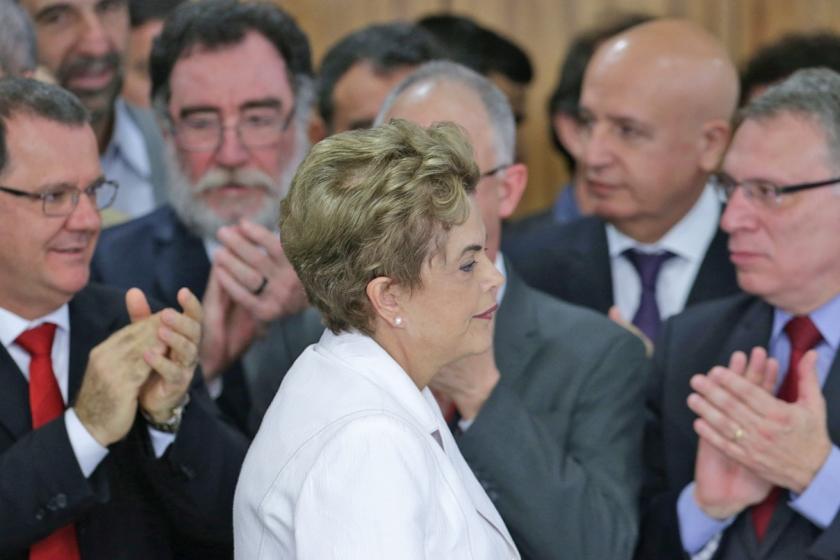 Geslepen politicus (even) aan het roer in Brazilië  (ap / Eraldo Peres, Felipe Dana en Dida Sampaio)