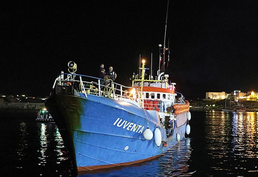 Het reddingsschip Iuventa in 2017.  (ap / Elio Desiderio)