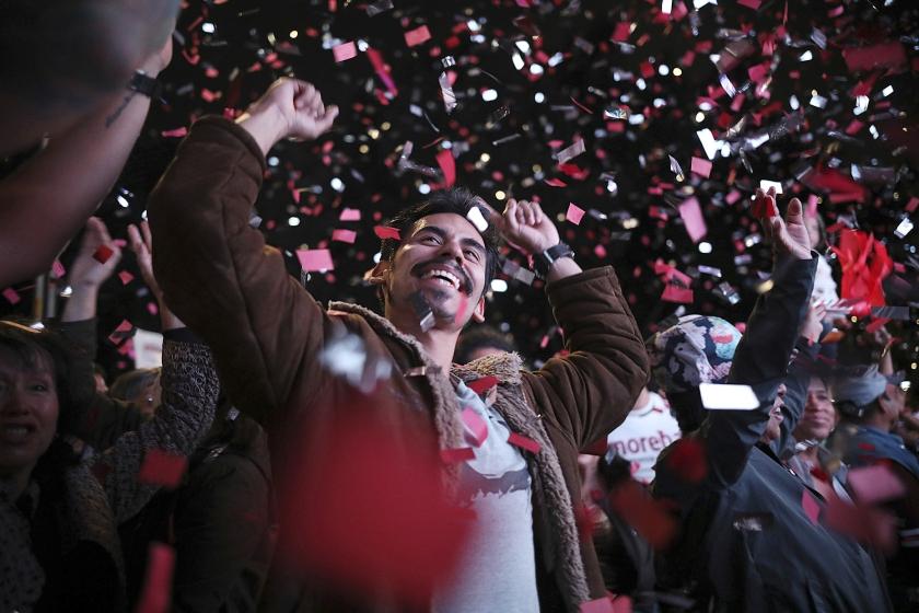 Aanhangers van Andrés Manuel López Obrador vieren feest. De linkse nationalist boekte een monsterzege.  (ap / Emilio Espejel)