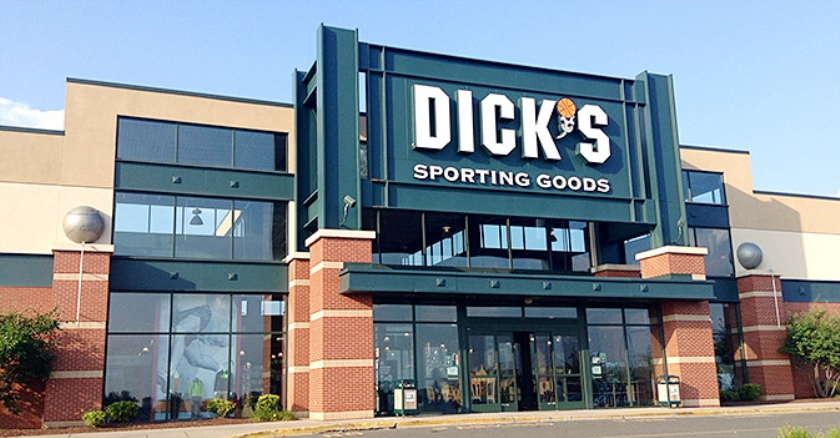 De voorgevel van Dick's Sporting Goods.  (wikimedia)