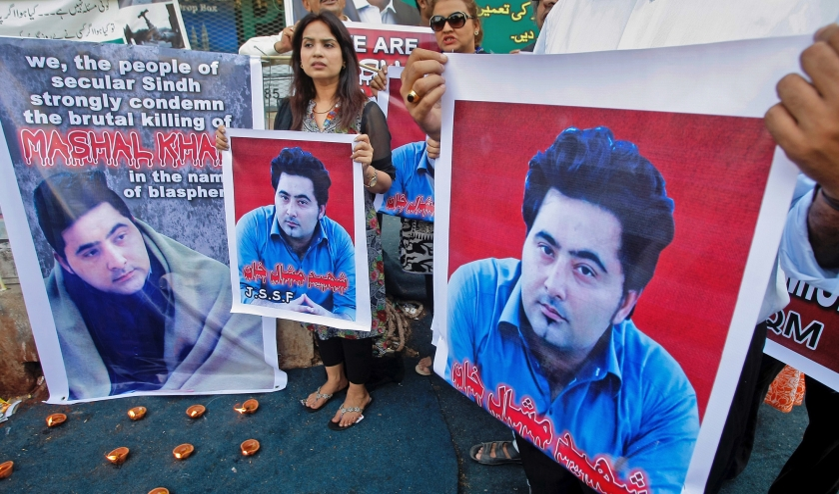 Betoging in Mardan tegen de moord op student Mashal Khan.  (ap / Fareed Khan)