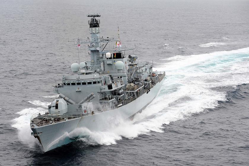 Het Britse fregat HMS Montrose, dat woensdag een Britse tanker te hulp schoot bij de Straat van Hormuz.  (royal navy / Joel Rouse)