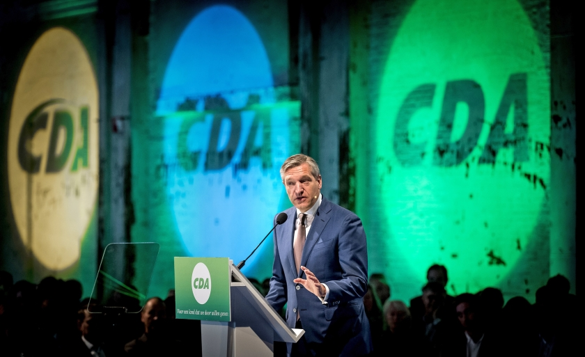 Je hebt geen christendemocratische partij om de kiezers te laten bepalen wat dat inhoudt. Het CDA moet terug naar de eigen principes en de eigen leden.  CDA-fractievoorzitter in de Tweede Kamer, Sybrand Buma.  (anp)
