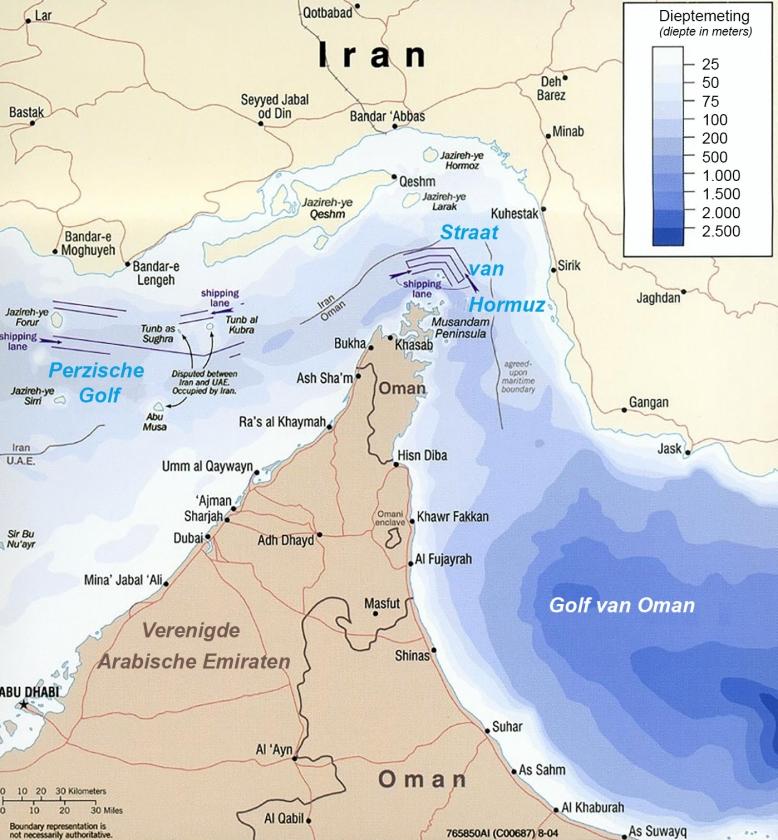 Bij Fujairah, een van de zeven Arabische Emiraten (rechts op de kaart, halverwege) werden vier schepen getroffen.   (Wikimedia, RT Arabia)