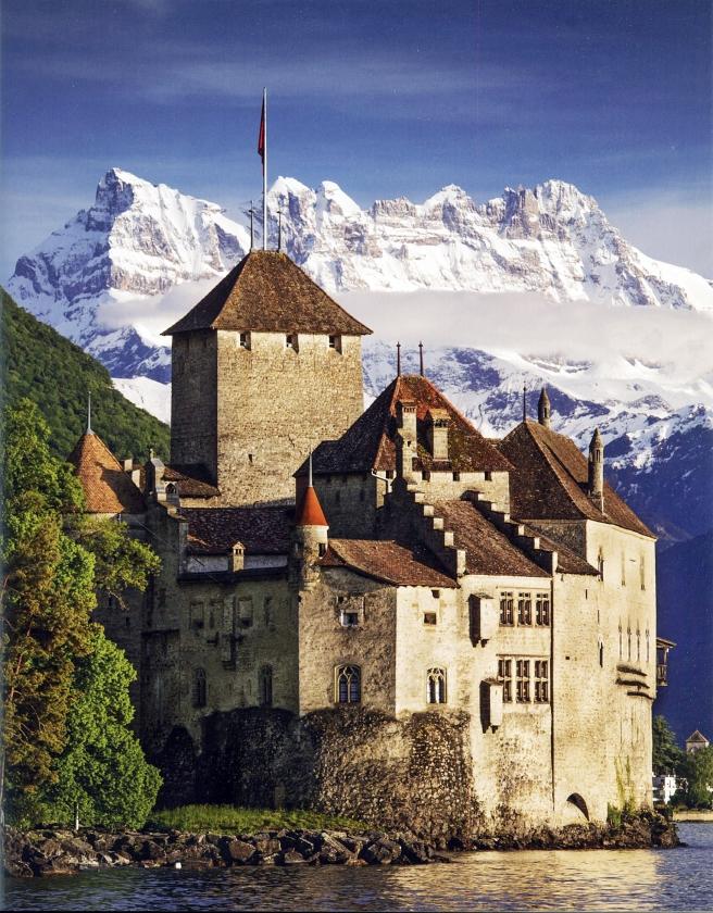 Mooi vergezicht tijdens het Zwitserse deel van de pelgrimsroute naar de Grote Sint-Bernhardpas.   (uit besproken boek)