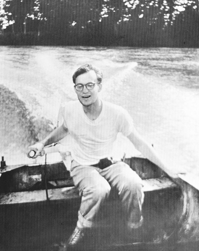 Michael Rockefeller in Nieuw-Guinea, een paar maanden voor zijn verdwijning.   (ap)