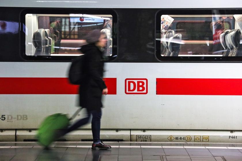 De NS denkt dat het droombeeld werkelijkheid kan worden: reizen binnen Europa per trein in plaats van het vliegtuig.  (epa / Armando Babani)