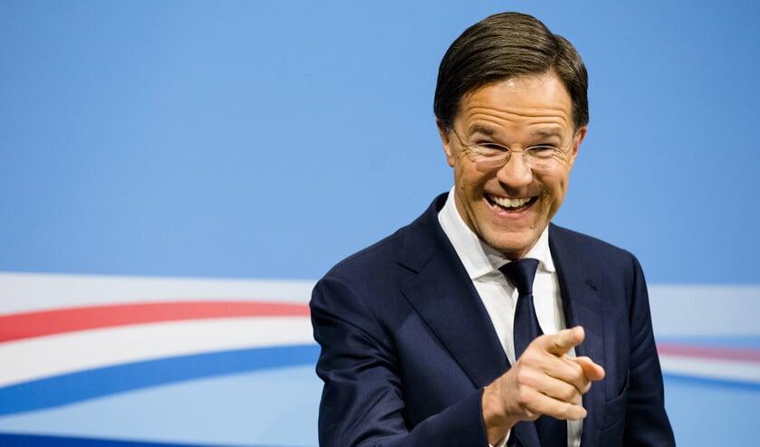 Premier Mark Rutte tijdens de eerste persconferentie na de ministerraad van 2019. Hij vertelde dat hij relschoppers het liefst zelf in elkaar wil slaan.  (anp / Bart Maat)