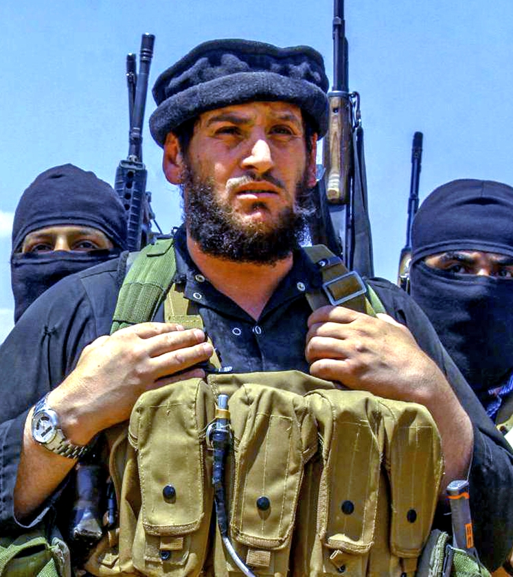 Abu Mohammed al Adnani op een ongedateerde foto die deze week door aanhangers van ISIS op internet werd verspreid.   (ap)