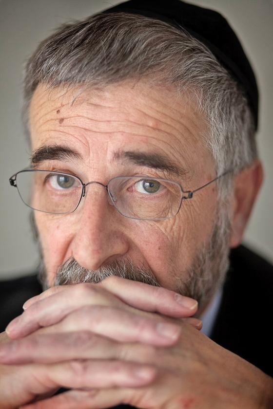 Rabbijn Lody van de Kamp: 'Ik vind dat de vluchtelingencrisis te veel een administratief gebeuren is geworden.'   (Dick Vos)