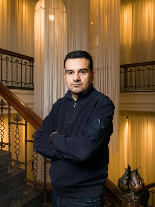 Pejman Akbarzadeh: 'Door de vrijheid hier realiseer je je wat er in je geboorteland allemaal niet verloren is gegaan.'   (Ivo van der Bent)