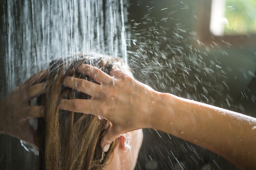 6 tips voor duurzaam douchen  (istock)