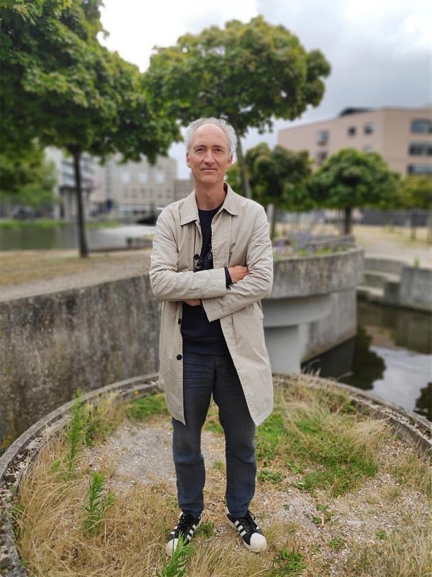 Kunstkenner Vincent de Boer: 'Midden in de drukte hebben mensen hier een plek voor zichzelf.'   (nd)