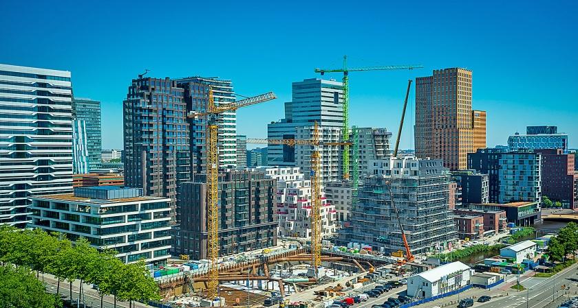 Met een huurprijs van zo'n 350 euro per vierkante meter per jaar behoort de Zuidas tot de duurste vastgoedlocaties van Nederland.  (anp / Lex van Lieshout)