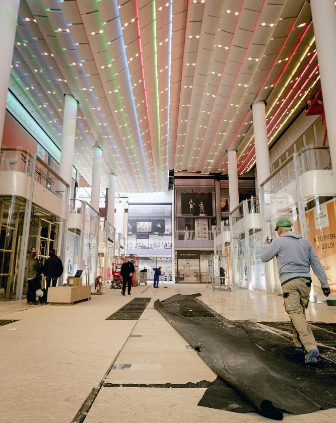 De noordpassage van het vernieuwde winkelcentrum Hoog Catharijne in Utrecht.   (anp / Robin van Lonkhuijsen)