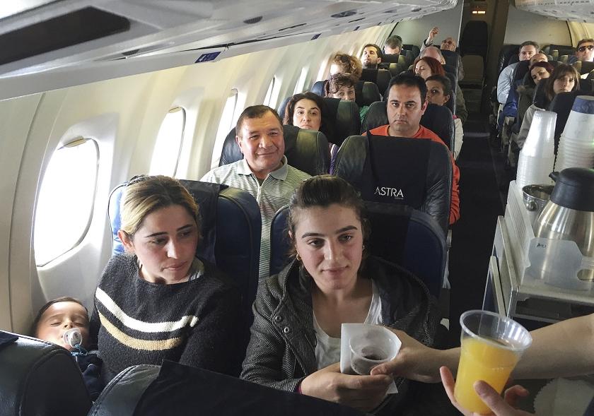 Luchtvaartmaatschappijen proberen vervelende passagiers te weren.  (ap / Lefteris Pitarakis)