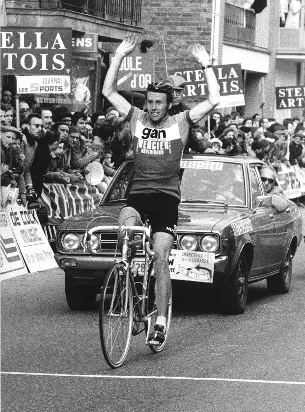 In april 1976 kwam Joop Zoetemelk in de Waalse Pijl als eerste over de finish in het schilderachtige dorpje Herviers.   (anp)