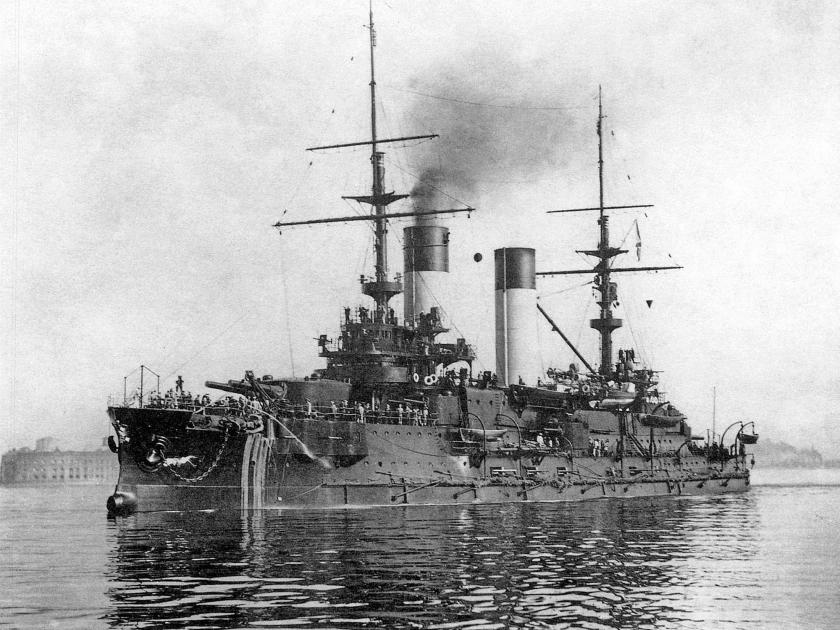Het Russische oorlogsschip Oryol opende in een oktobernacht in 1904 de aanval op Engelse vissers op de Noordzee.  (national archives)