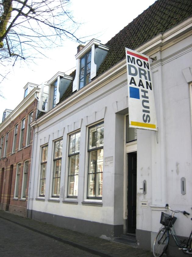 Het Mondriaanhuis in Amersfoort.   (wikipedia)