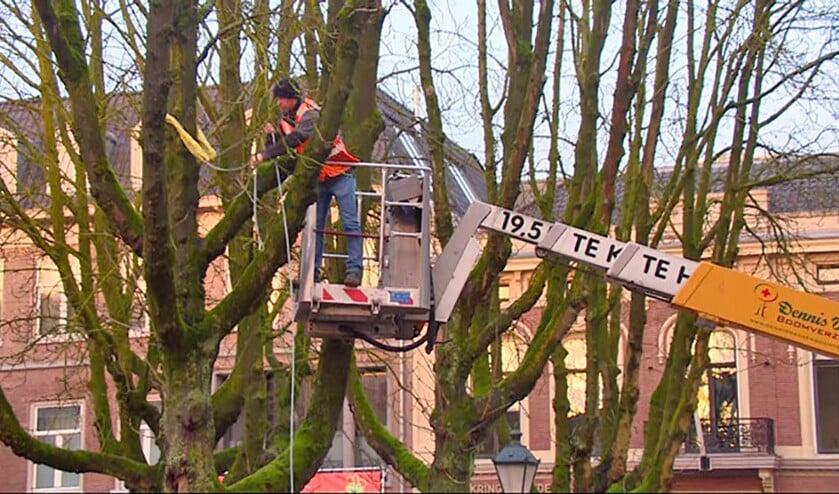 Burgemeester Adriaan Hoogendoorn van Oldebroek belandde na zijn val in het ziekenhuis Isala in Zwolle.  (facebook)