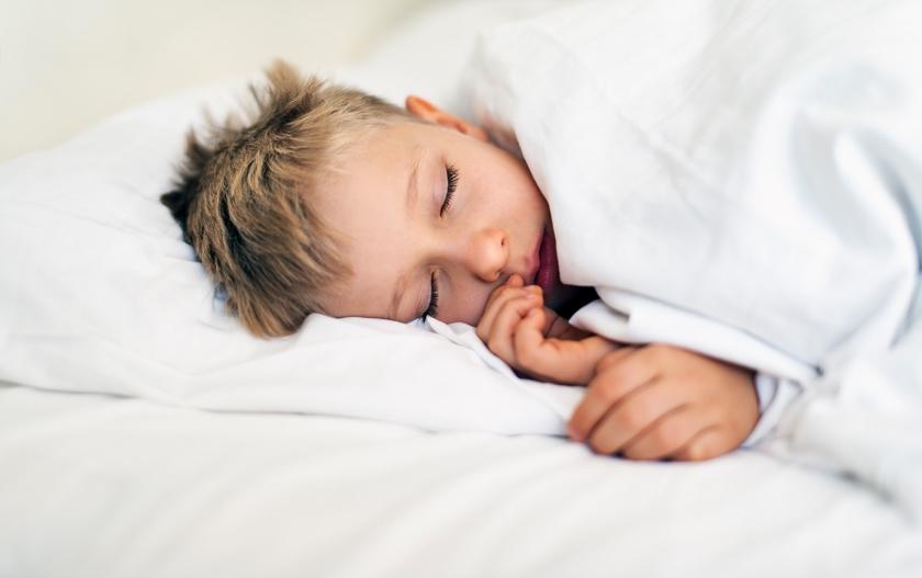 Kort en klein: Zorgen over gebruik van melatonine door kinderen  (istock)