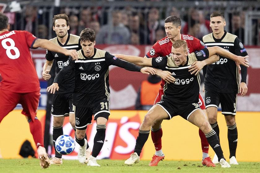 Zit het Nederlandse voetbal weer in de lift?  (anp / Olaf Kraak en Robin van Lonkhuijsen)