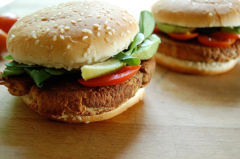 Recept: Pittige tofuburgers  (nd)