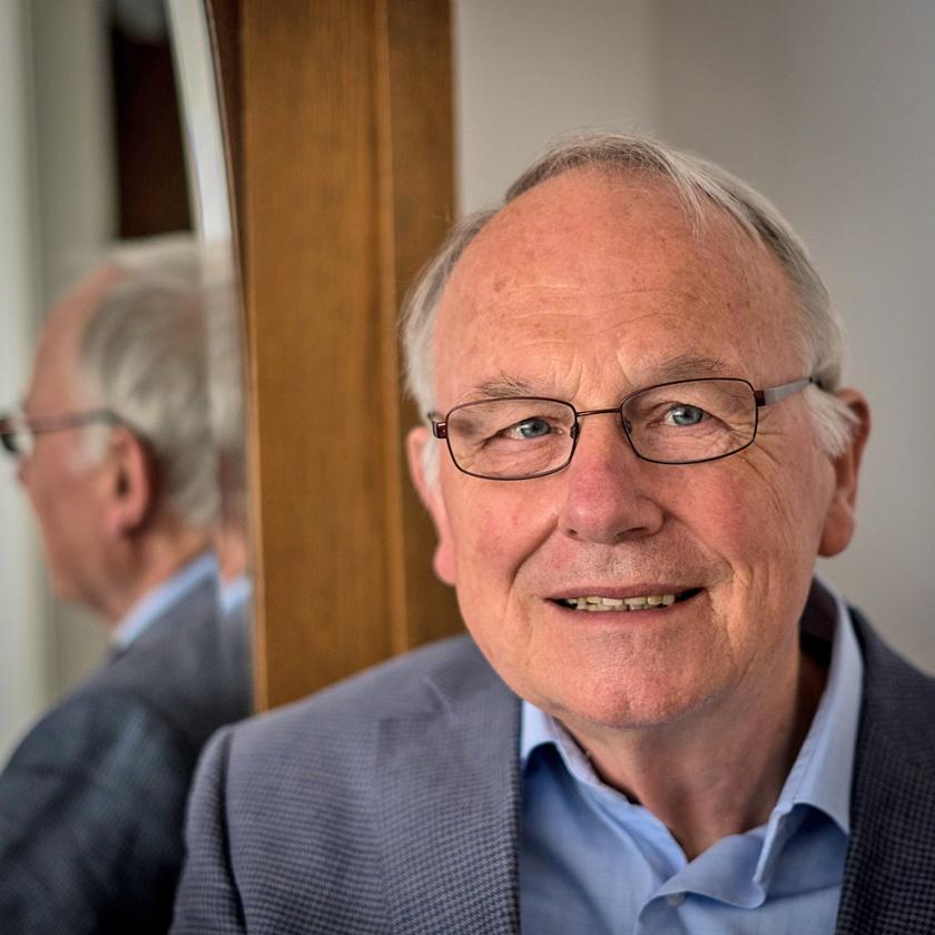 Houvast: Bert Dorenbos  (Carel Schutte)