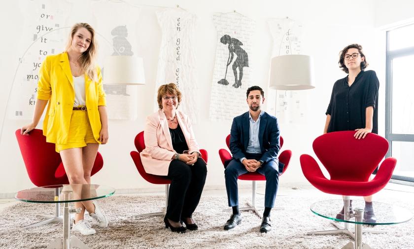 Van links naar rechts: Luce van Kempen, SER-voorzitter Mariëtte Hamer, Hasher Ahmadi en Alex Tess Rutten van het SER-Jongerenplatform.  (Freek van den Bergh)