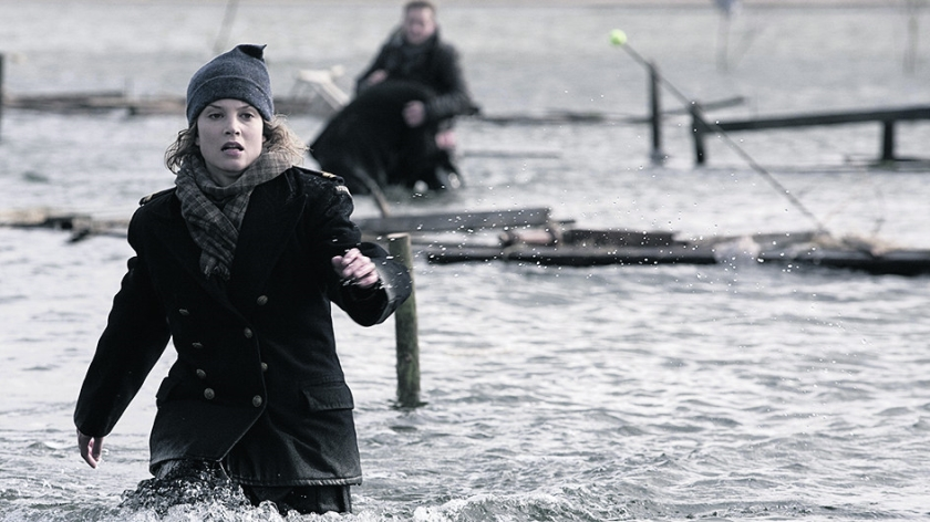TV Vooraf: De Storm - Kermend hout  (Universal Pictures)